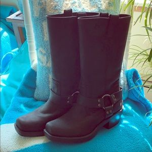 👣Black Mid Calf Boots Size 8 Never Worn👣